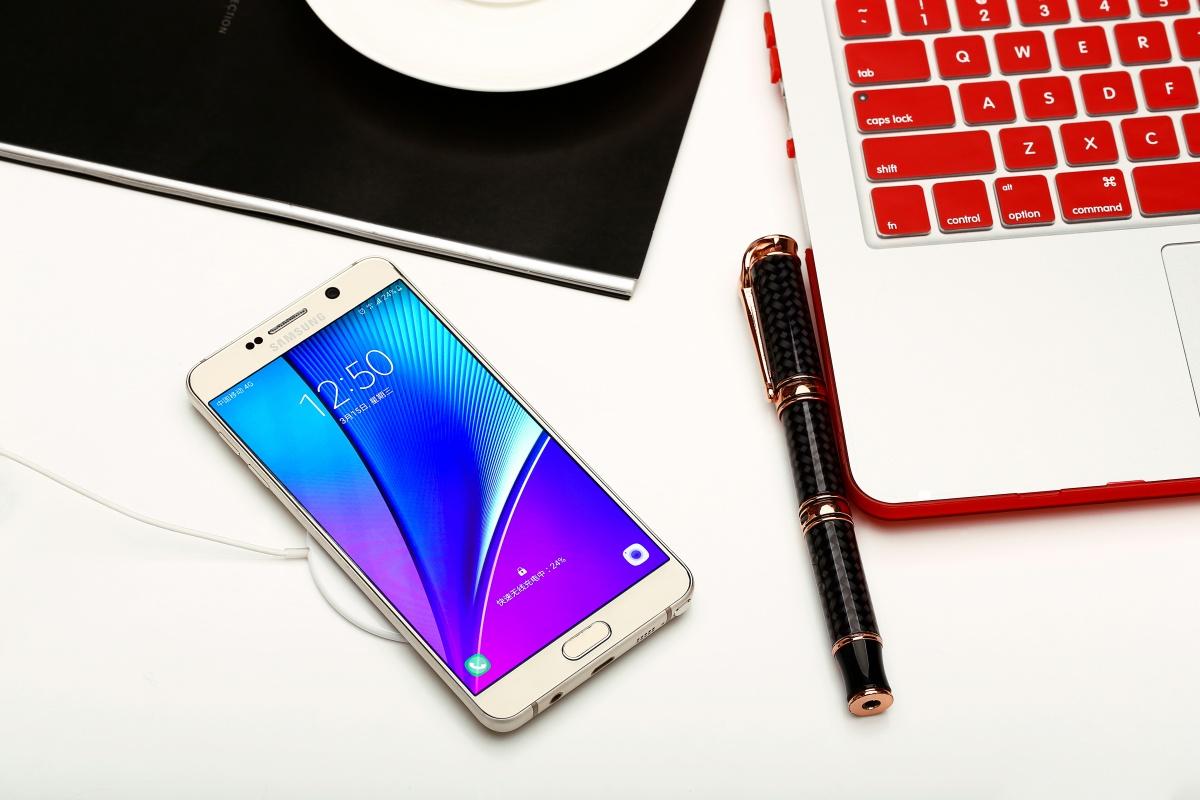смартфон Samsung беспроводная зарядка